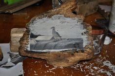 Schnell und einfach kannst Du mit wenigen Hilfsmitteln und einem speziellen Leim Deine Fotos auf Holz drucken!