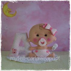 Felt letter with baby Baby Shawer, Felt Baby, Baby Toys, Baby Frame, Felt Decorations, Felt Patterns, Felt Toys, Doll Crafts, Felt Ornaments