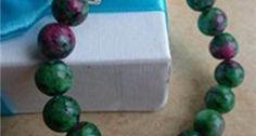 Vòng tay đá phong thủy quý giá làm từ đá ruby phi