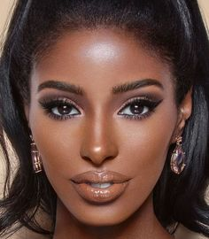 eye makeup for warm skin tones * eye makeup for warm skin tones Dark Skin Girls, Dark Skin Tone, Brown Skin, Dark Skin Makeup, Dark Skin Beauty, Black Beauty, Makeup Inspo, Beauty Makeup, Eye Makeup
