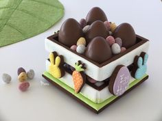 #COOKIE CONNECTION ALERT: An Easter cookie box tutorial in the latest edition of Made by Manu. COOKIES, PHOTO, AND TUTORIAL BY MANU.