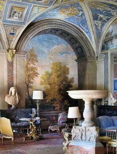 Beautiful Trompe L'oeil painted wall mural & ceiling