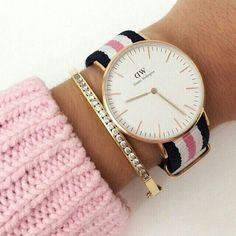 Love this Daniel Wellington Watch! To WIN Enter the Competition in post below. Hurry, before it closes! Trendy Watches, Elegant Watches, Cute Jewelry, Jewelry Accessories, Fashion Accessories, Daniel Wellington Watch, Use E Abuse, Timex Watches, Arm Candies