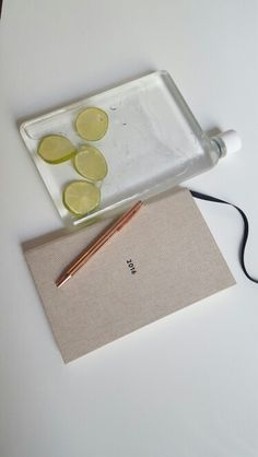 Items to help me be work savvy! #memobottle #ola_studio #ingointeriors