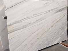Calacatta Crema Marble, honed, block no 1292. Available at Marable Slab House in Sydney #marable #marble #calacatta