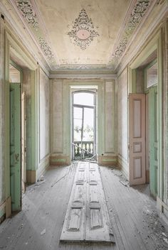 Gallery of Photographer Mirna Pavlovic Captures the Decaying Interiors of Grand European Villas  - 2