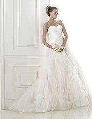 Pronovias > Pronovias presents the wedding dress Begonia. Dreams 2015. the SKIRT!!