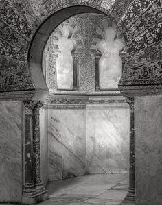 Alcove, Mosque–Cathedral of Córdoba, 2016. nigrumetalbum.com instagram.com/sashleyphotos