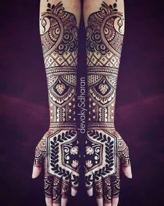 I just love using geometric shapes on skin. They just look so majestic. . . devakySdharan . . #india#calicut#kannur#kozhikode#kerala#khaleejihenna#trivandrum#kollam#hennatattoo#hennaart#mehendi#naturalhenna#henna#hinna#delhi#cochin#hennadesigns#mehndi#mehendiartist#thiruvananthapuram#bridal#heena#7enna#khaleeji#الحناء#حناء#