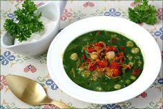 Суп нут со шпинатомшпинат (замороженный) - 250 г; нут - 100 г; мята (свежая) - пара веточек; морковь - 1 шт; лук репчатый - 2 шт; перец болгарский красный - 1 шт; водa - 400 мл; сок лимонный – 1 ч. ложка; масло растительное - 20 мл; соль, свежемолотый черный перец - по вкусу; ----- сметана или натуральный йогурт для подачи