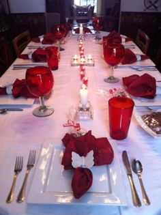 Tisch Familie A Valentine's Dinner Decoration For The Whole Family 13 Valentines Day Dinner, Valentines Day Decorations, Valentine Ideas, Valentine Party, Valentines Food, Valentine Crafts, Holiday Decorations, Table Centerpieces, Table Decorations