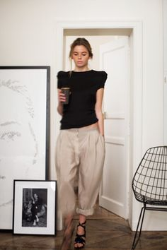 TRANSITIONAL TROUSERS: we adore this look!  the oversized boyfriend khaki with the sharp shoulder and strappy sandals! perfect!