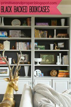 Primitive & Proper: Black Backed Living Room Bookcases.Love how polished this looks Inspiration Design, Decoration Inspiration, Thrifty Decor Chick, Bookshelf Styling, Arranging Bookshelves, Piece A Vivre, Shabby, Black Walls, My New Room