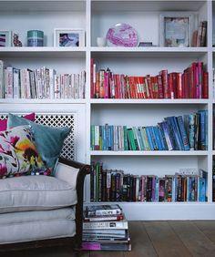 Love color coordinating bookshelves
