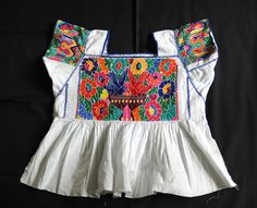 Top Mexican Clothing Sites - The Web's Most Popular Sites Mexican Blouse, Mexican Outfit, Mexican Dresses, Mexican Style, Mexican Clothing, Mexican Heritage, Clothing Sites, Clothing Co, Beautiful Outfits