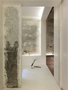 Love Raw, exposed walls- Crusch Alba | Gus Wüstemann |