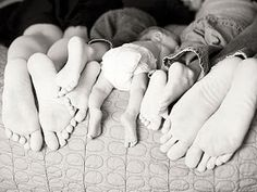 Great picture ideas for my cousins daughter, wife, n new twins.