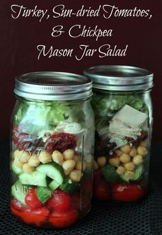Turkey, Sun-dried tomatoes, and chickpea mason jar salad 337 calories and 8 weight watchers points plus. This salad in a jar recipe can be made up to 5 days ahead of time for easy healthy lunches. #healthy #salad
