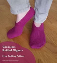 Geranium Knitted Slippers - free knitting pattern by Knitting and so on