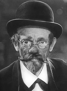 best comedian ever Karl Valentin Karl Valentin, German Star, Old Pictures, Comedians, A Good Man, Movie Stars, Famous People, Hollywood, Memories