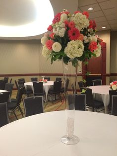 Furst Florist Centerpiece in coral and cream #FurstEvents #coralweddings
