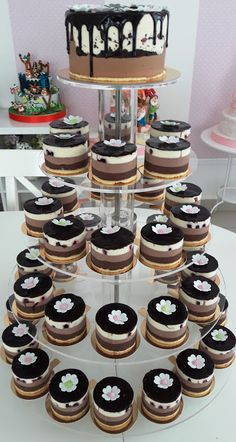 Torturi - Viorica's cakes: Tort nunta cu monoportii