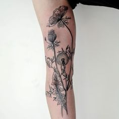 Incredible Botanical Tattoos on Hands