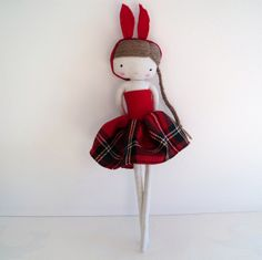 doll in red by las sandalias de ana, via Flickr. Nx
