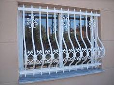 Resultado de imagen para rejas metalicas para ventanas Modern Window Grill, Window Grill Design, Wooden Front Door Design, Wooden Front Doors, Modern Windows, Best Windows, Standard Window Sizes, Corner Shelf Design, Dining Table Design