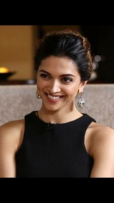 Deepika Padukone is one of the most popular Indian actresses. Indian Celebrities, Bollywood Celebrities, Bollywood Actress, Bollywood Stars, Bollywood Fashion, Indian Film Actress, Indian Actresses, Deeps, Dipika Padukone