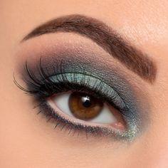 Be A Mermaid & Make Waves Eyeshadow Palette - tarte | Sephora
