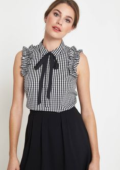 Elegant poplin blouse top with ruffle embellishment from comma blusas juveniles elegantes, estilos de blusas Blouse Styles, Blouse Designs, Indian Designer Outfits, Clothes Crafts, Diy Clothing, Manga Girl, Blouses For Women, Casual Dresses, Fashion Outfits