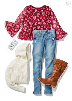 Flowy prints, warm knits and a fave denim fit for an earthy girl who loves the autumn breeze.