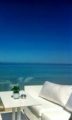 Bousoulas beach bar in Khalkidiki. Beautiful spot awaiting the sunset! Beach Bars, Greek Islands, Greece, Destinations, Vacation, Sunset, Beautiful, Greek Isles, Greece Country