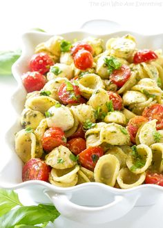 This Caprese Pesto Pasta Salad is the traditional Caprese salad in pasta form! So fresh and perfect for BBQs and get togethers! I'm in the middle of a laundry fiasco. For some reason this year our dryer, dishwasher, AC, and now washing machine have kicked the bucket. We spent our last date night looking for a new washing …