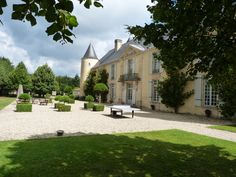 Ch. Suduiraut, Sauternes Vineyard, Mansions, House Styles, Home Decor, Mansion Houses, Decoration Home, Manor Houses, Villas, Fancy Houses