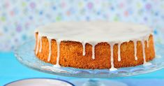 Whole Orange Cake with Lemon Drizzle Icing is a delectable cake recipe that uses the entire orange (skin and all) for a truly rich orange cake! Lemon Drizzle Icing, Whole Orange Cake, Sweet Recipes, Cake Recipes, Far Breton, Glaze For Cake, Gourmet Cooking, Just Cakes, Almond Cakes