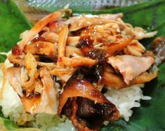 Ga Ro Ti - Vietnamese Roasted Chicken served with sticky rice More food at http://hoianfoodtour.com/  #garoti #roastedchicken #streetfood #danangfoodietour