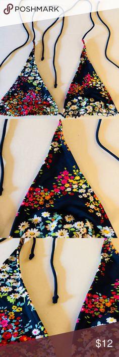 American Eagle Triangle String Bikini Top No padding. Good condition see photos American Eagle Outfitters Swim Bikinis