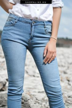 Best jeans for your body type. I wear jeans pretty much every day. I've worn denim to parties and to casual events without a second thought. In my closet, -- Style, beauty and fitness tips Jeans Skinny, Blue Jeans, Mom Jeans, Jeans Dress, Dress Shoes, Shoes Heels, Shrink Jeans, Clothing Blogs