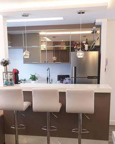 Ideas Bathroom Design Mirror Home Decor Small Apartment Kitchen, Home Decor Kitchen, Kitchen Furniture, Kitchen Interior, House Front Design, Kitchen Cabinet Colors, Küchen Design, Modern Kitchen Design, Minimalist Home