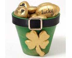 Six Simple St. Patty's Day Crafts - Six simple St. Patrick's Day Craft ideas to DIY – get your green on for St. Patty's Day! St Patricks Day Crafts For Kids, St Patrick's Day Crafts, Fun Crafts, Holiday Crafts, Holiday Games, Fete Saint Patrick, Sant Patrick, Flower Pot Crafts, Clay Pot Crafts