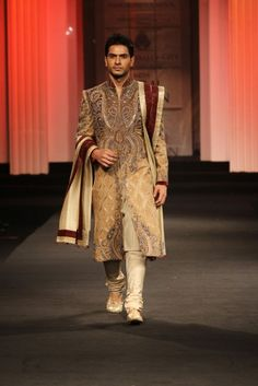 This cream-brown number really makes one sit up and pay attention! #indiangroom