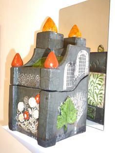Treasure house #5 in Raku fired clay by Lynne Wilson