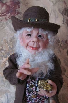 HAPPY-GO-LUCKY Leprechaun for St. Patrick's Day ~ Terry Richards, Doll Artist *