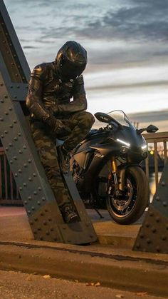 Shared by Motorcycle Clothing – Two-Up Bikes www. – About Cafe Racers Cannondale Bikes, Yamaha Motorcycles, Custom Motorcycles, Cars And Motorcycles, Bmx Bikes, Custom Bikes, Motorcycle Outfit, Motorcycle Bike, Motorcycle Girls