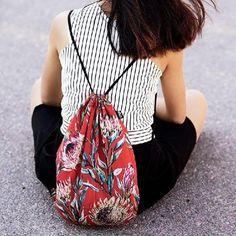 #LOQI #Tropical #Rainforest #Flora #Fauna #thejungalowstyle #lushlife #green #greenscenes #fantasylands #Secretive #exotic #jungle #exoticdreams #backpack #turnbeutel #rucksack #inspiration #gucci #blossoms #leaf #OODT #style #fashion #stripesandflowers #blackwhiteandred