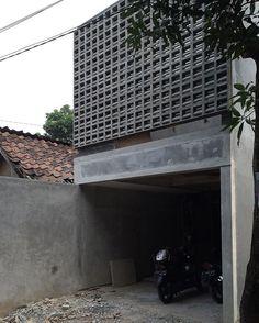 WIP 3m width - sitting on the wall #ventblocks #smallhouse #architecture #sittingonthewall