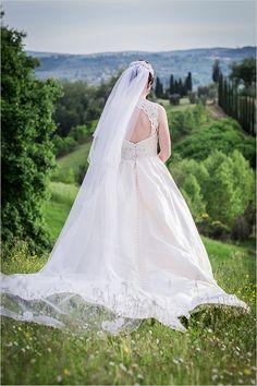 Hillside fairytale Italian wedding. #weddingchicks Captured By: Rosapaola Lucibelli http://www.weddingchicks.com/2014/09/10/hillside-fairytale-italian-wedding/
