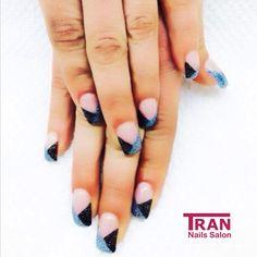 Graphic glitter ✨ #trannails #nageldesign #nagelstudioerbach #nailart #wallofnails #gel #manicure